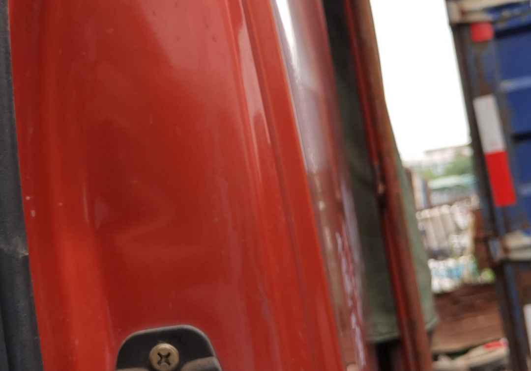 东风天龙 载货车  290匹 2013年05月 8x4