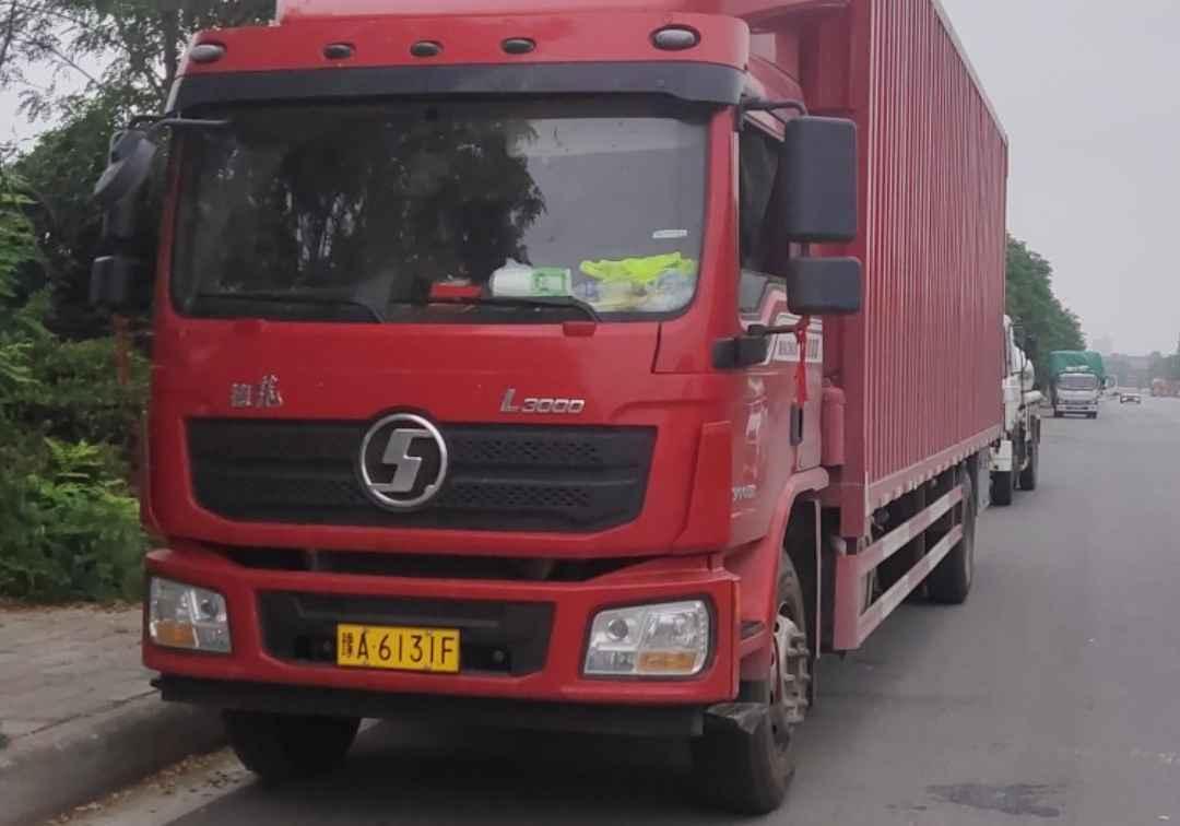陕汽德龙L3000 载货车  240匹 2021年04月 4x2