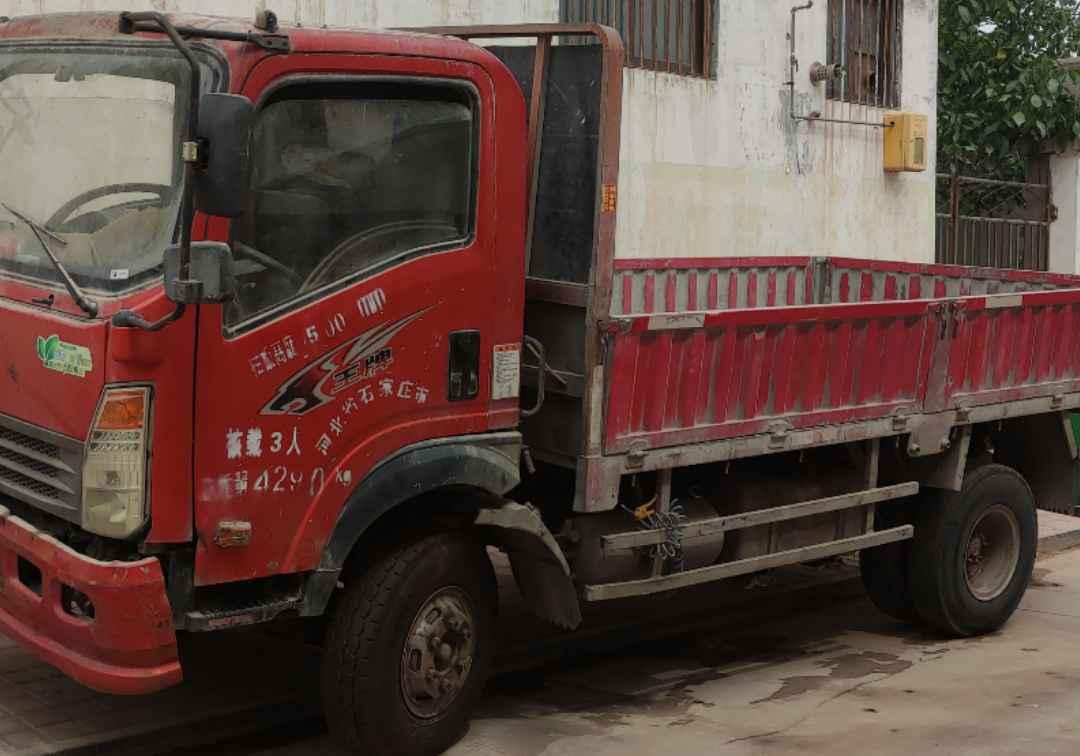 中国重汽王牌 载货车  140匹 2017年07月 6x4