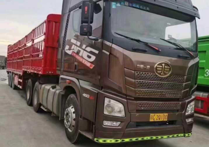 一汽解放J6P重卡 领航版复合型 牵引车  460匹 2017年07月 8x4
