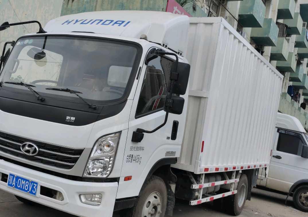 四川现代其他车系 载货车  156匹 2020年09月 4x2