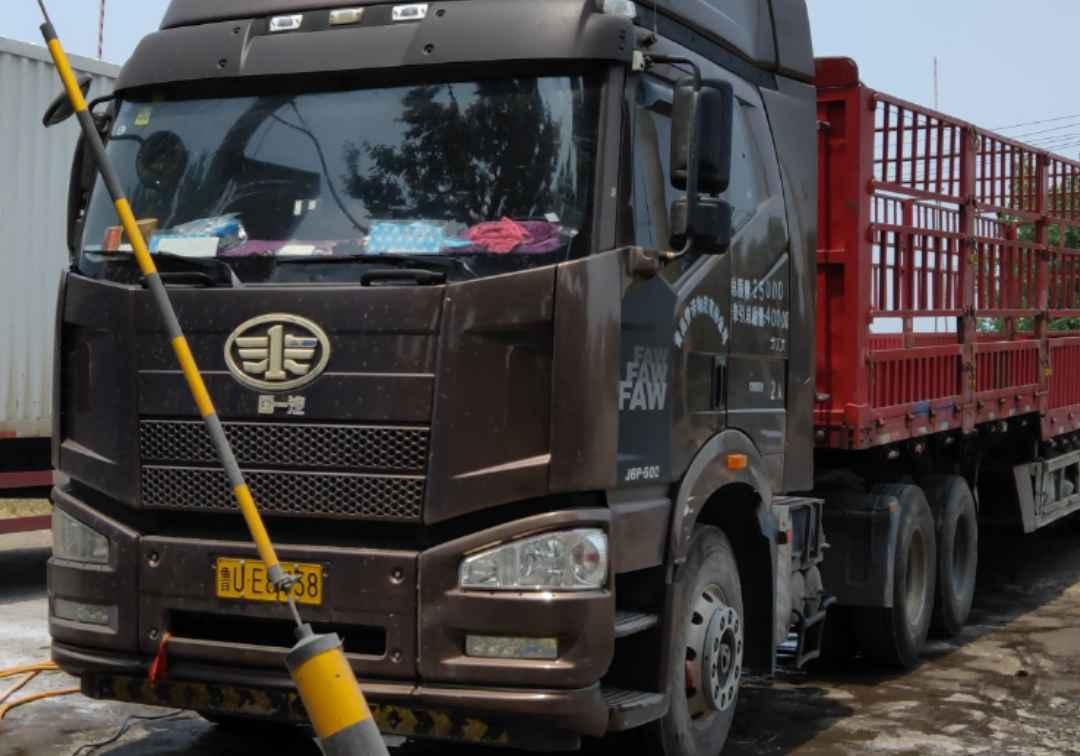 一汽解放J6P重卡 牵引车  500匹 2017年05月 6x4