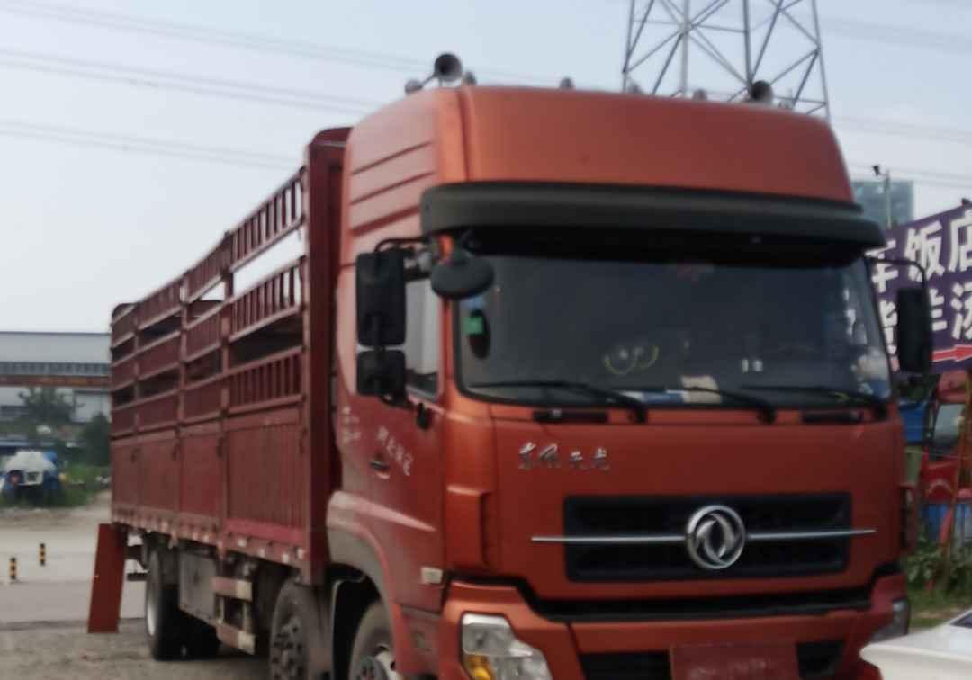 东风天龙 载货车  210匹 2013年12月 6x2