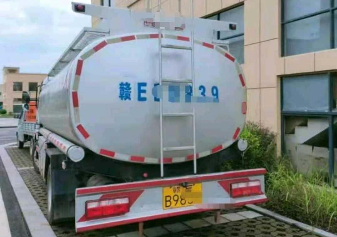 东风天锦 油罐车  150匹 2020年10月 4x2