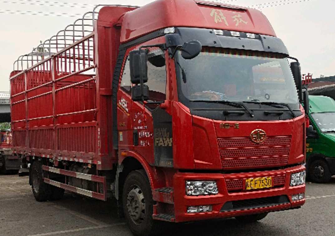 一汽解放J6L中卡 轻量化 载货车  240匹 2021年04月 4x2