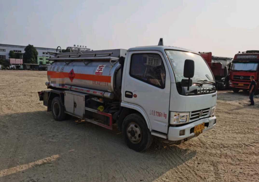 东风天龙 油罐车  130匹 2020年05月 4x2
