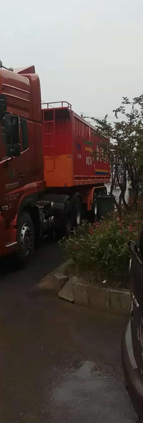 东风天龙 牵引车  420匹 2014年02月 6x4