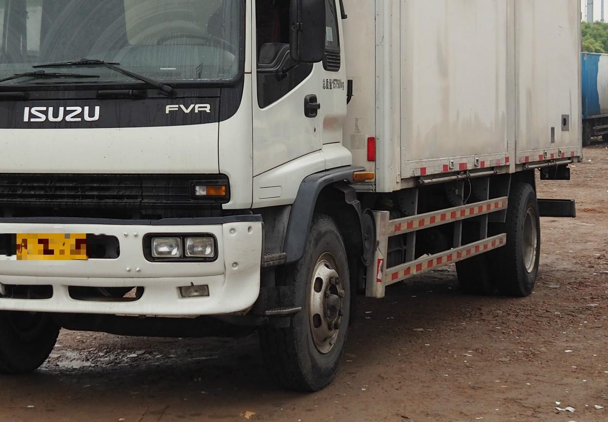 #其他品牌其他 载货车  240匹 2011年04月 4x2