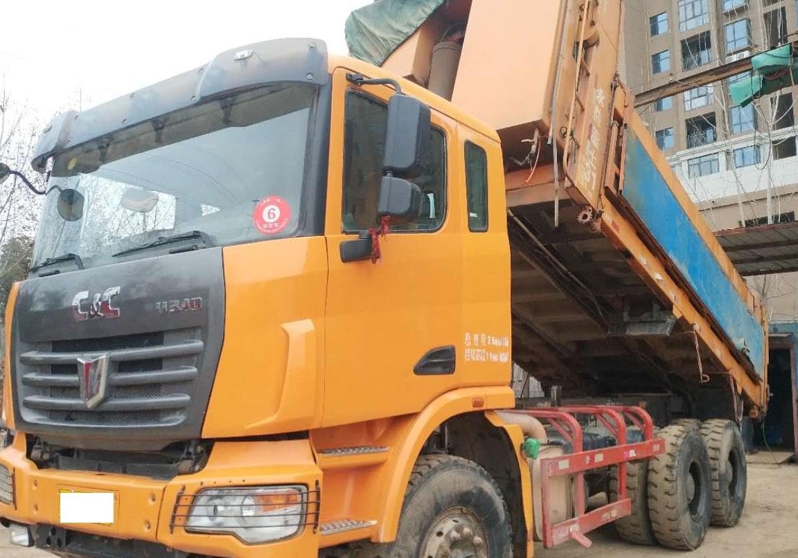 联合卡车 自卸车  2014年06月 8x2