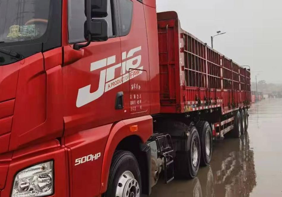 青島解放JH6 牽引車  500匹 2017年11月 6x4