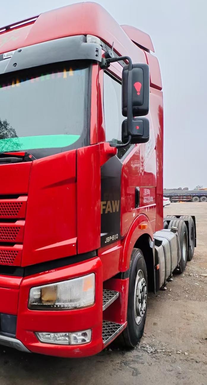 一汽解放J6P重卡 牵引车  550匹 2018年03月 6x4