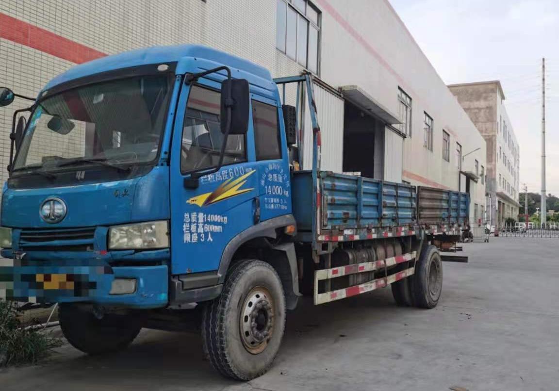 青岛解放其他车系 载货车  143匹 2013年08月 6x2