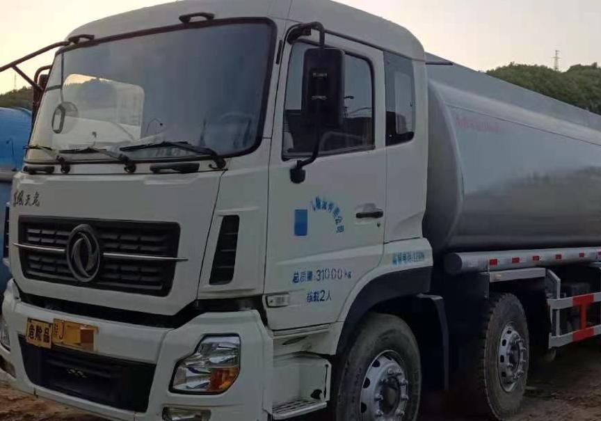 东风其他车系 油罐车  300匹 2015年05月 4x2