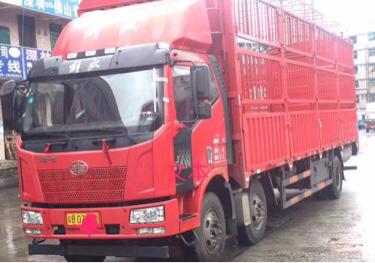 一汽解放J6L中卡 标载型 载货车  220匹 2017年05月 6x2