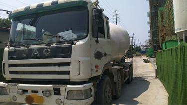 江淮格尔发 混凝土搅拌车  380匹 2012年08月 8x4