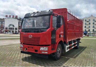 一汽解放J6 载货车  180匹 2017年06月 4x2