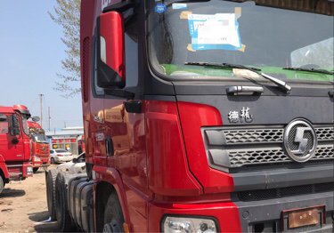 陕汽德龙X3000 牵引车  550匹 2018年03月 6x4