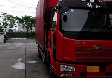 一汽解放J6 载货车  190匹 2016年05月 4x2