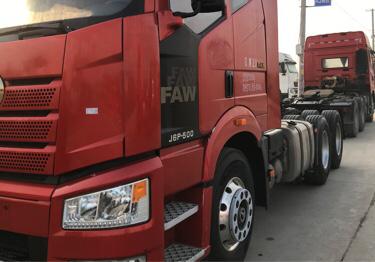 一汽解放新J6P重卡 牽引車  500匹 2017年11月 6x4