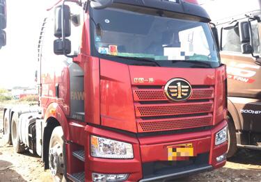一汽解放J6P重卡 牵引车  550匹 2019年03月 4x2