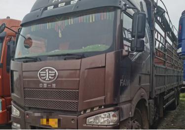 一汽解放J6L中卡 质慧版 载货车  350匹 2017年12月 6x4