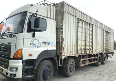 广汽日野700系列 载货车  350匹 2015年01月 8x4