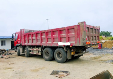 柳汽乘龙M3 自卸车  280匹 2015年08月 8x4