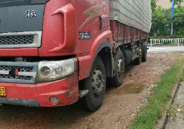 一汽解放其他车系 载货车  240匹 2012年10月 8x2