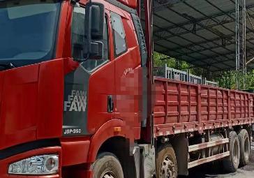 ?#40644;?#35299;放J6P重卡 载货车  350匹 2017年04月 8x4