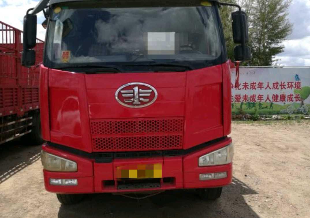 一汽解放J6 载货车  240匹2012年09月 8×2 国三