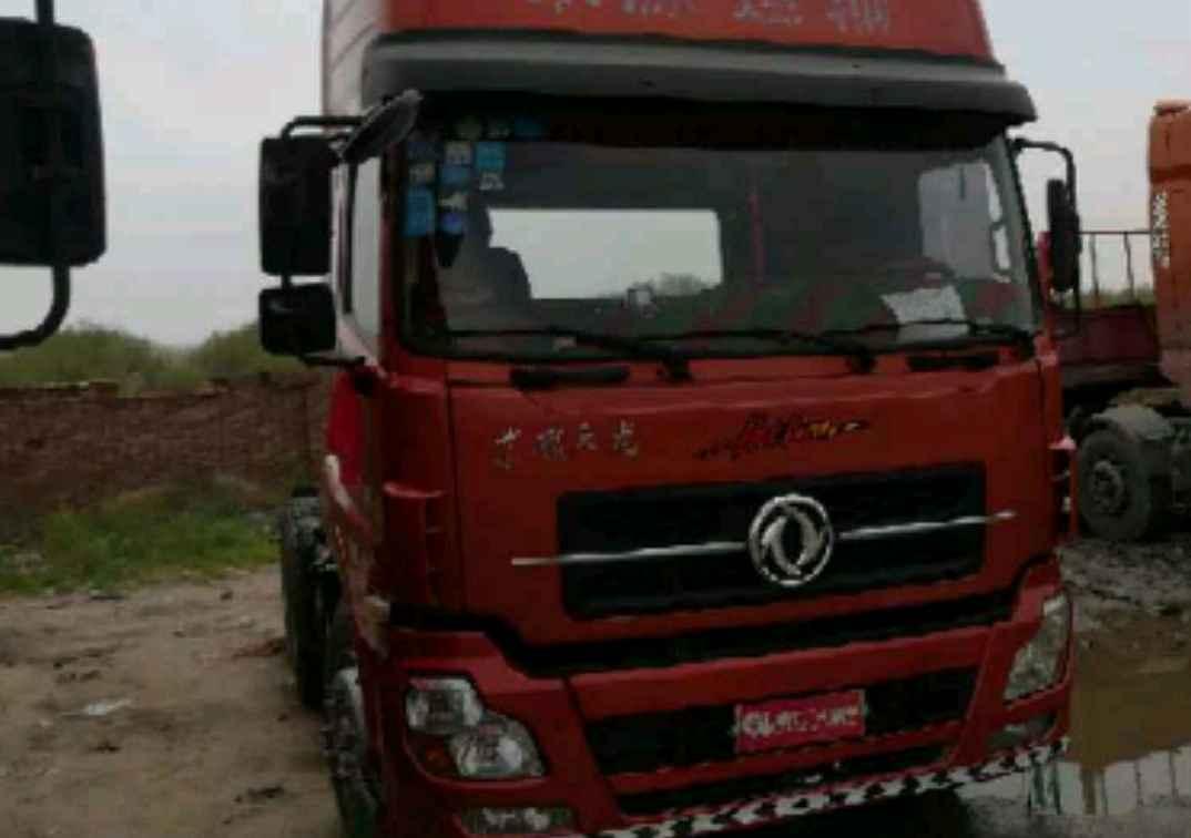 东风天龙 牵引车  375匹 2013年09月 6x4