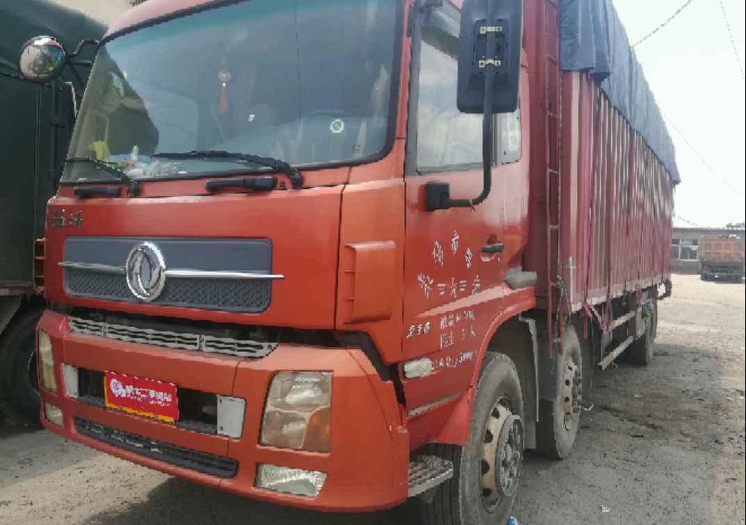东风天龙 载货车  220匹 2013年06月 6x2