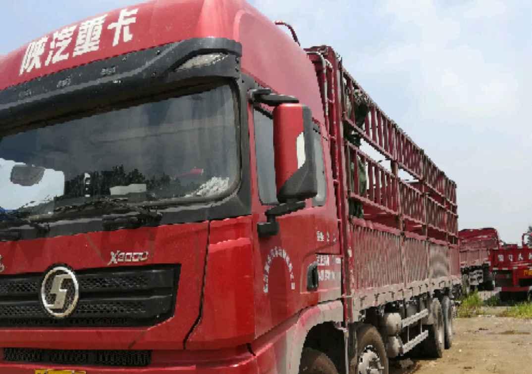 陕汽德龙X3000 载货车  336匹 2016年05月 8x4
