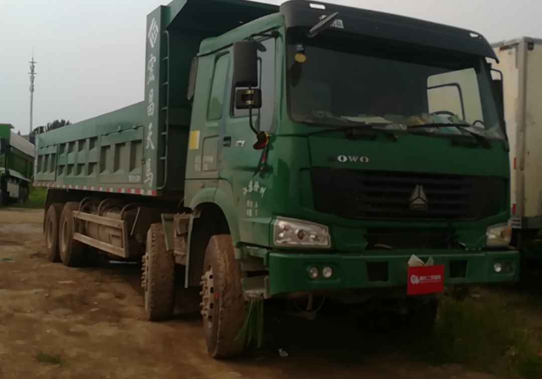 中国重汽HOWO 自卸车  375匹 2011年06月 8x4