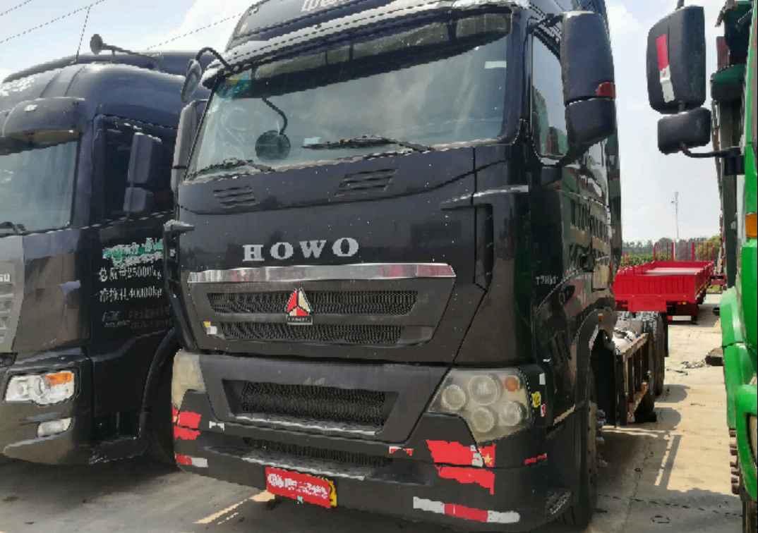 中国重汽HOWO 牵引车  440匹 2013年12月 6x4