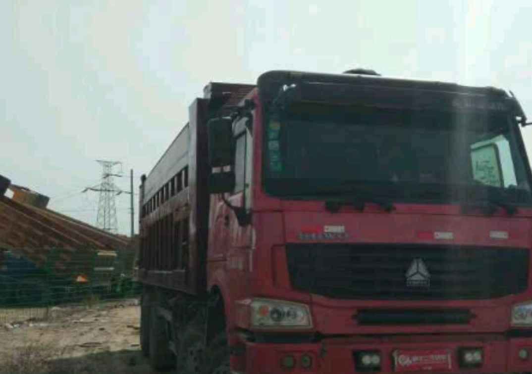 中国重汽HOWO 自卸车  336匹 2011年09月 8x4