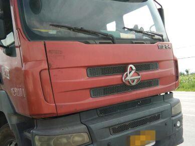 东风霸龙 载货车  270匹 2012年06月 8x4