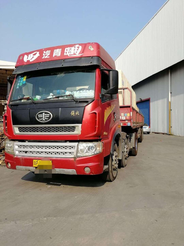 青岛解放新大威 牵引车  336匹 2012年07月 6x2