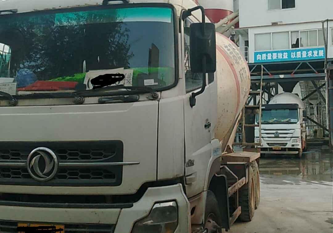 东风大力神 混凝土搅拌车  340匹 2010年02月 6x4