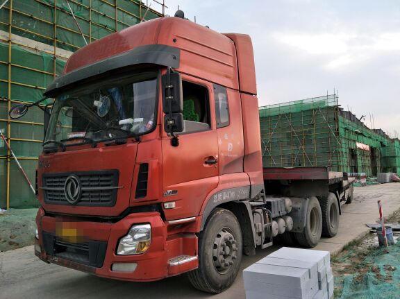 东风天龙 牵引车  420匹 2013年04月 6x4
