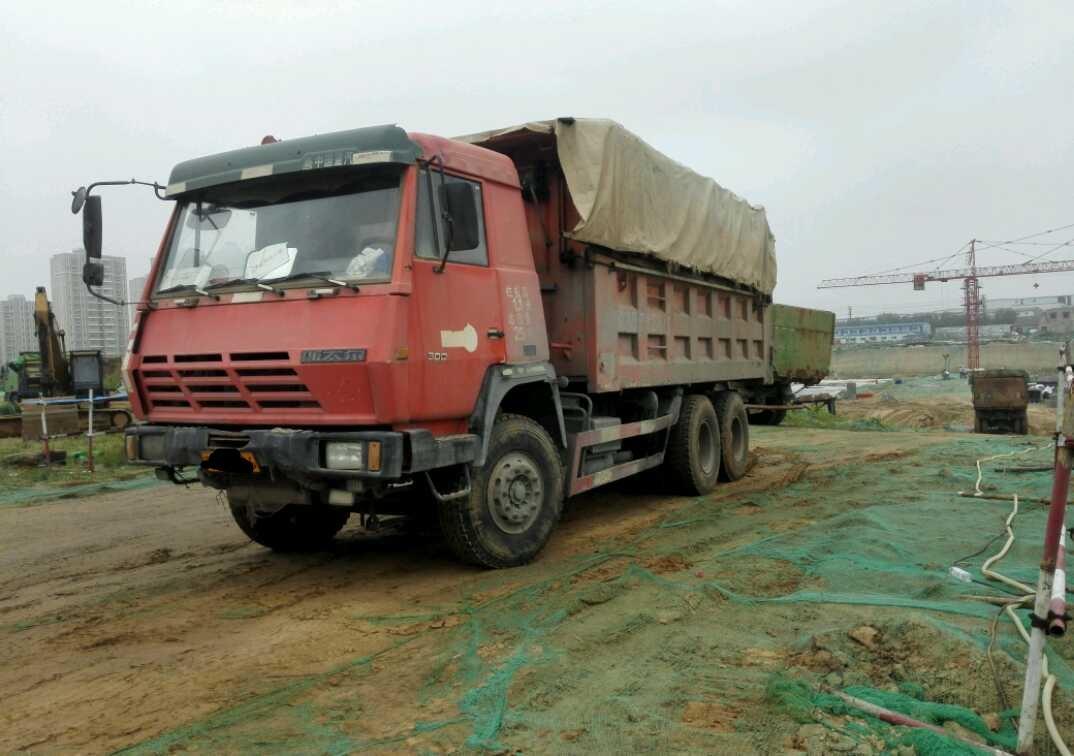 中国重汽斯太尔 自卸车  300匹 2013年05月 6x4