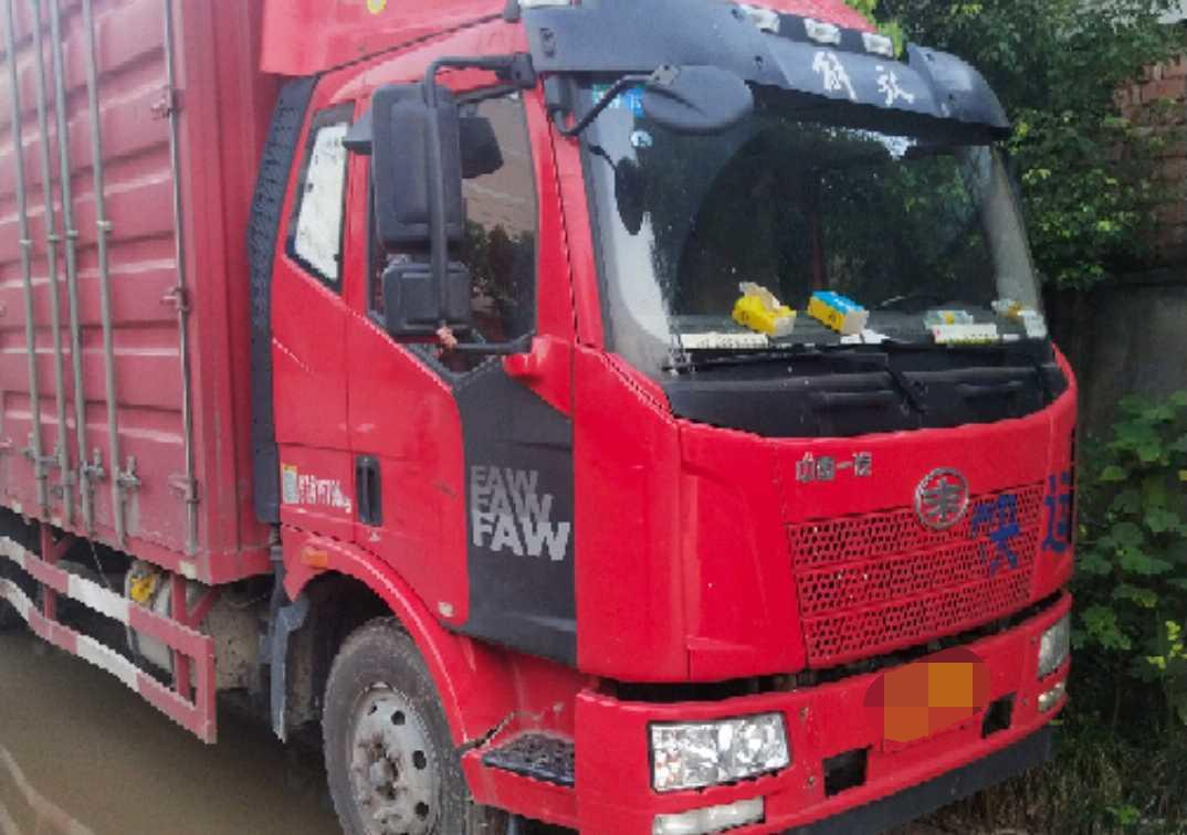 一汽解放J6M重卡 标载型 载货车  180匹 2016年11月 4x2