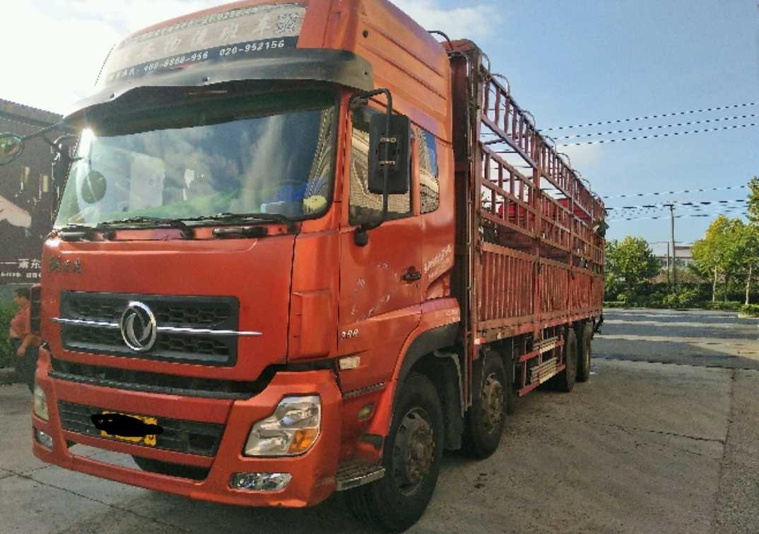 东风天龙 载货车  290匹 2011年09月 8x4