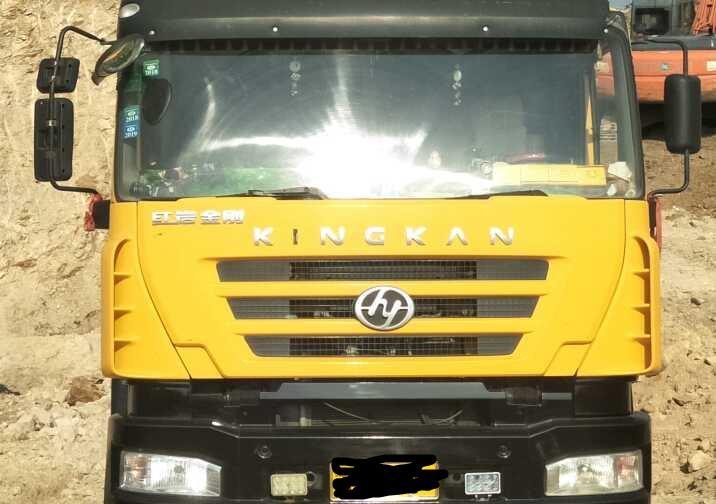 上汽红岩新金刚 自卸车  380匹 2012年08月 8x4