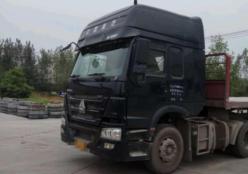 中国重汽HOWO 牵引车  380匹 2015年06月 6x4