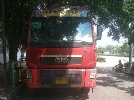 青岛解放新大威 载货车  260匹 2011年06月 8x4