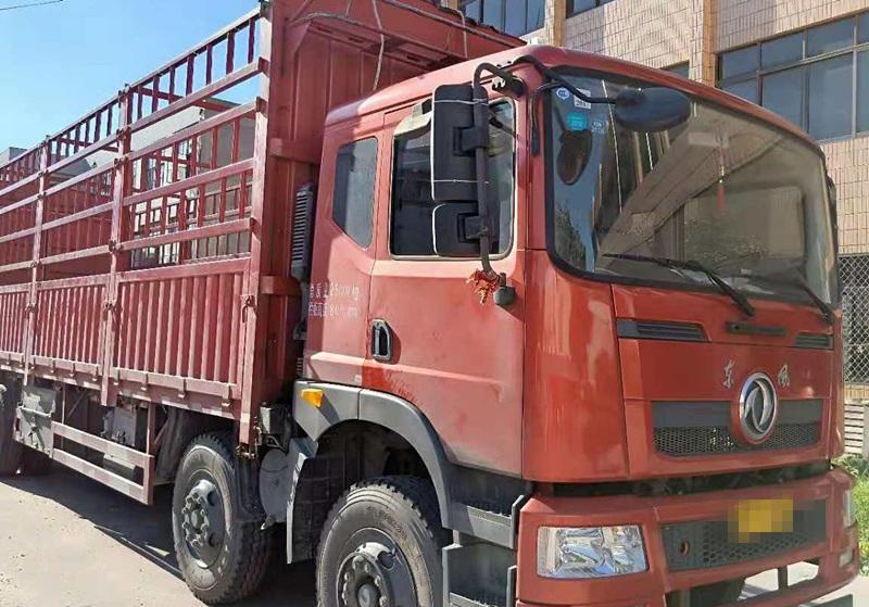 东风创普 载货车  220匹 2016年10月 6x2