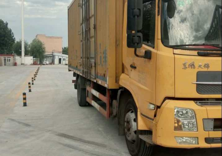 东风天锦 载货车  190匹 2012年08月 4x2