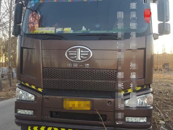 一汽解放J6P重卡 载货车  350匹 2016年10月 8x4