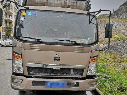 中国重汽HOWO 载货车  296匹 2013年04月 4x2